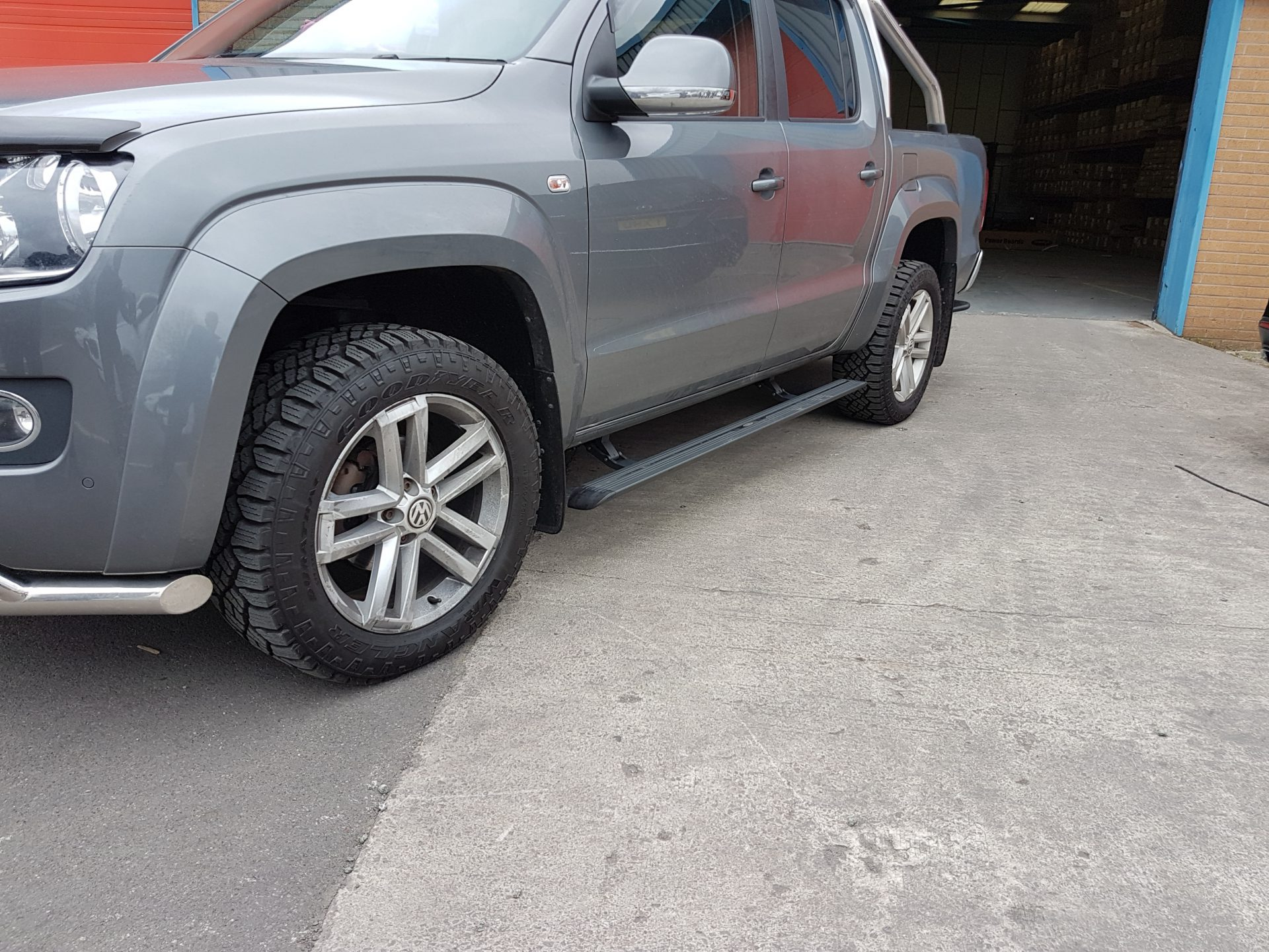 Automatic Electric Side Steps For Volkswagen VW Transporter T5 & T6
