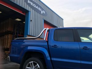 vw amarok tonneau lid with chrome pack
